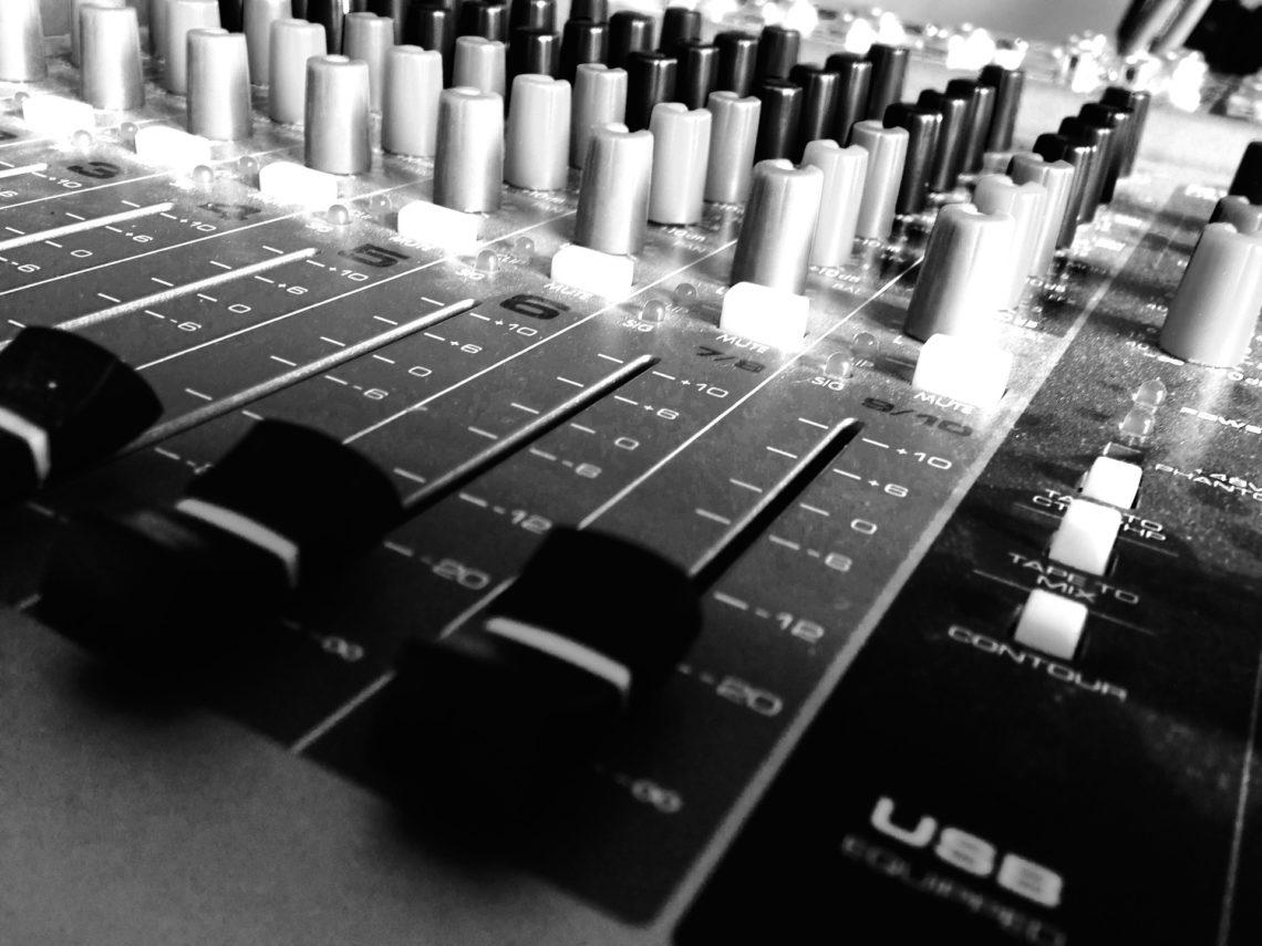 sound-1412629_1920