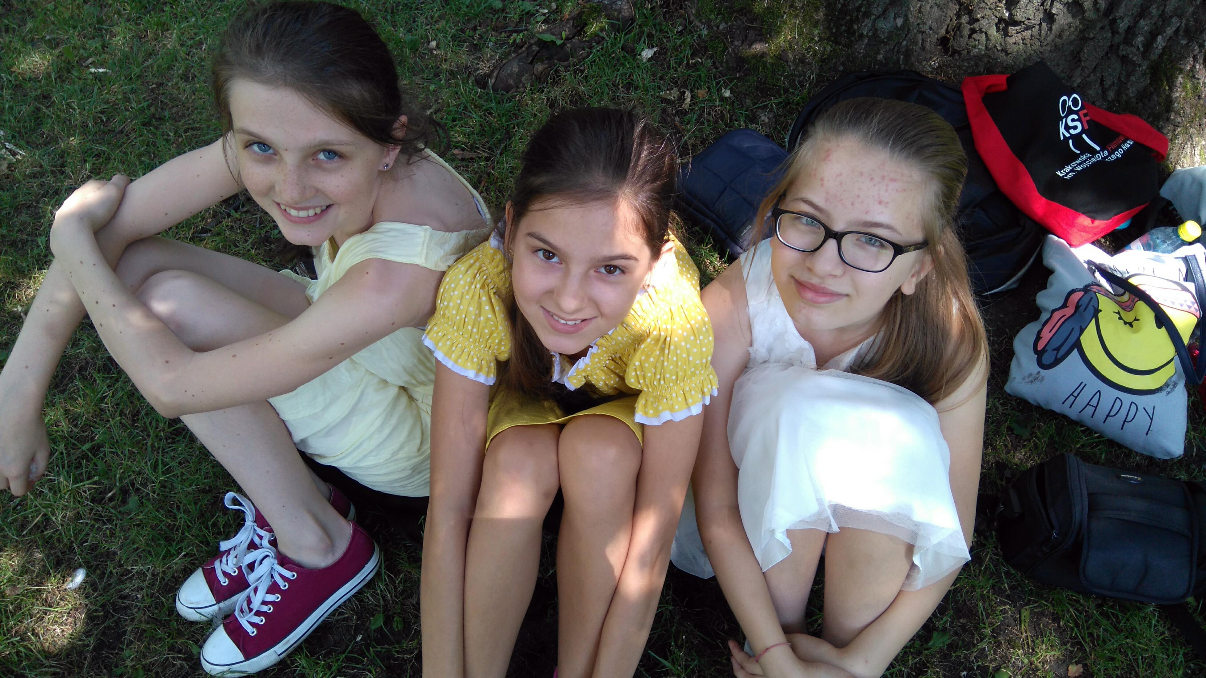 Marika, Oliwia, Weronika