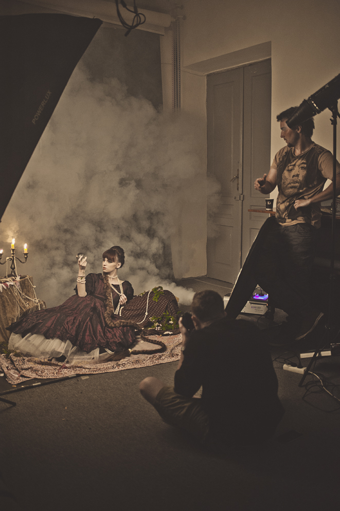 Backstage z fotografii studyjnej fot. Katarzyna Niwińska