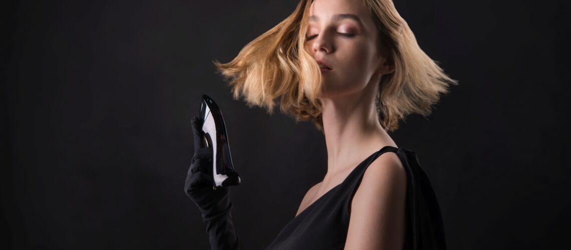 pozowała: Emilia Kawa, make up Karina Radzevich, autorem zdjęcia jest Leszek Lubos
